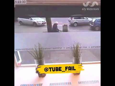 المغرب اليوم  - شاهد رد فعل غريب لرجل وقع حادث تصادم مروع أمامه