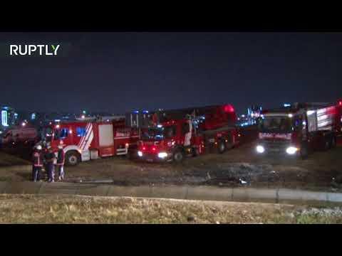 المغرب اليوم  - شاهد حريق يلتهم طائرة ركاب في مطار أتاتورك
