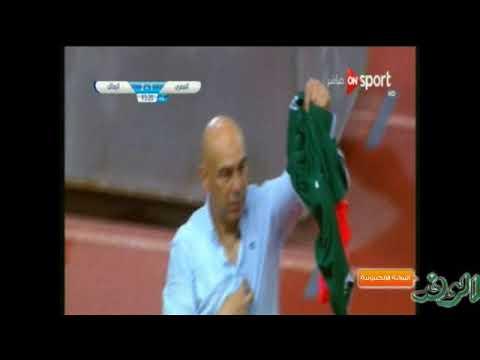 المغرب اليوم  - حسام حسن يثير غضب جماهير الزمالك بتيشيرت الأهلي