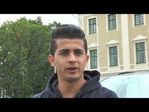 المغرب اليوم  - شاهد ممثل أفغاني لاجىء يواجه شبح الطرد من السويد