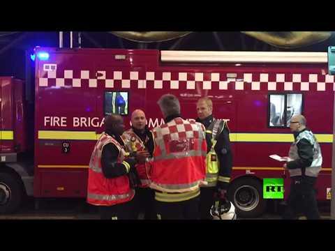 المغرب اليوم  - شاهد انتشار الشرطة في موقع الهجوم بالأسيد في لندن