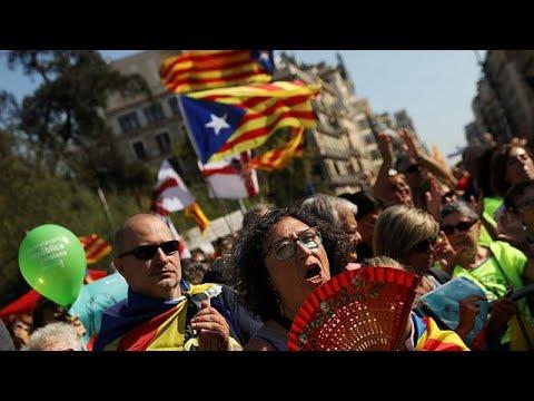 المغرب اليوم  - تواصل التعبئة في كتالونيا قبل أسبوع عن استفتاء الانفصال