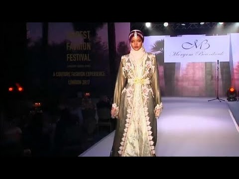 المغرب اليوم - شاهد عرض أزياء للموضة المحتشمة في لندن