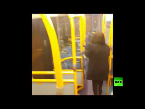 المغرب اليوم - لحظة الهجوم بصاروخ على حافلة في لندن