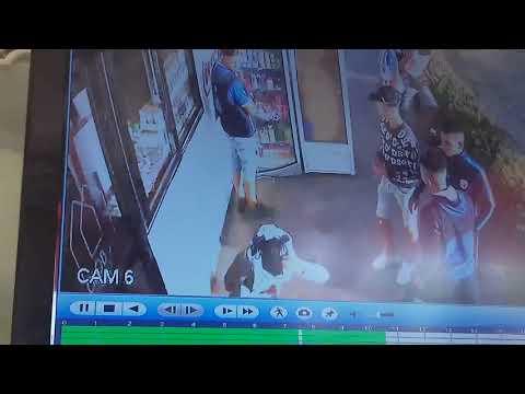 بالفيديو بعض جماهير اتحاد طنجة تسرق صاحب محل