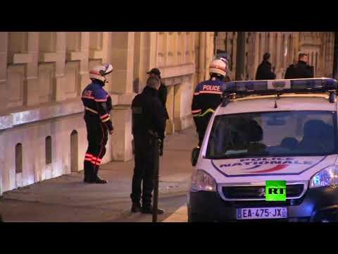 شاهد لحظة وصول الحريري إلى منزله في باريس