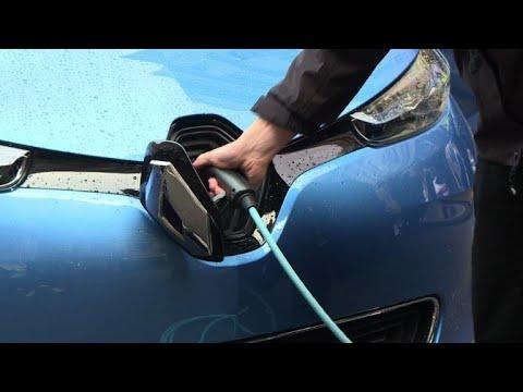 شاهد السيارات الذاتية القيادة والكهربائية على طريق غزو العالم