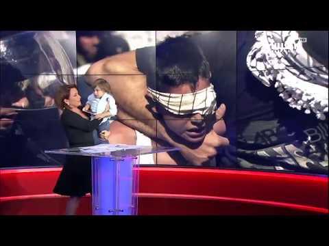 شاهد رد فعل مذيعة العربية لحظة اقتحام طفل الاستوديو على الهواء