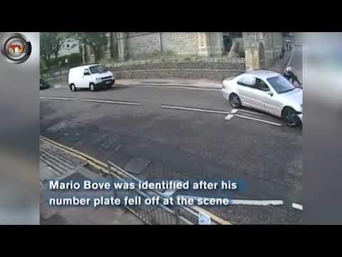 شاهد سائق يصدم دراجة نارية عمدا ويفر من مكان الحادث
