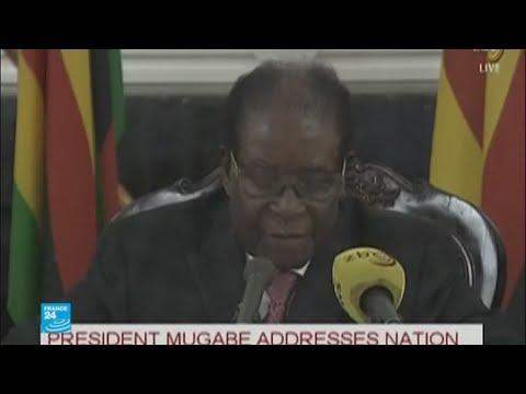 شاهد موغابي يعدل عن الاستقالة ويتجاهل المهلة المحددة من الحزب الحاكم