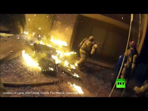 شاهد إنقاذ طفل أثناء اندلاع حريق