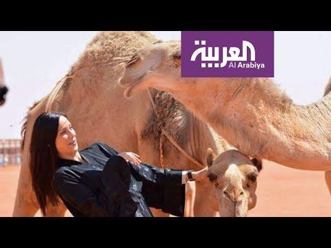 بالفيديو قصة الأجانب مع الإبل في السعودية