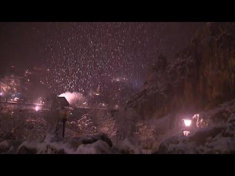 شاهد استمرار موجة البرد وتساقط الثلوج في المغرب