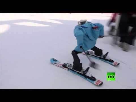 شاهد الروبوتات تشارك في رياضة التزلج داخل كوريا الجنوبية