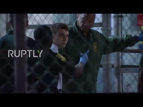 شاهد لحظة وصول المراهق جزار فلوريدا إلى سجن