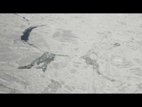 شاهد أولى اللقطات للجبل الجليدي الضخم المنفصل عن القطب الجنوبي