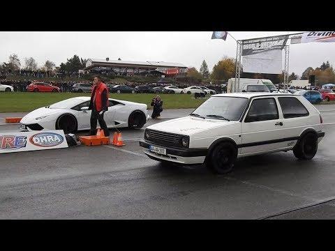 بالفيديو سيارة خردة معدلة تتحدى سيارة لامبورغيني الخارقة