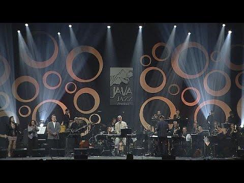 التنوع صفة المهرجان الدولي جافا غاز جاكارتا