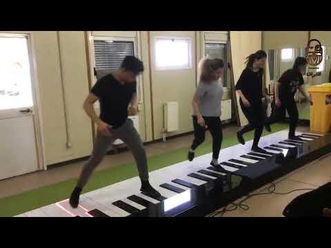 بالفيديو عزف أغنية ديسباسيتو بشكل مختلف