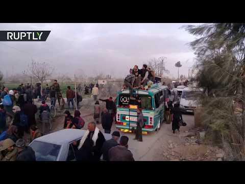 شاهد خروج آلاف المدنيين من الغوطة الشرقية