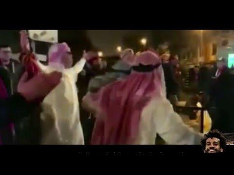 شاهد  جماهير ليفربول ترتدي أزياء عربية وتُغني سلام عليكم مو صلاح