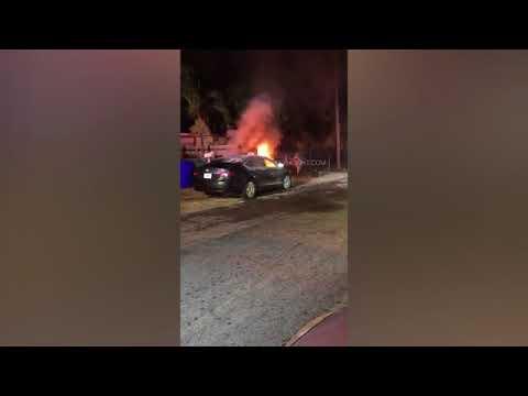 فتاة تحطم وتشعل النار في سيارة صديقها
