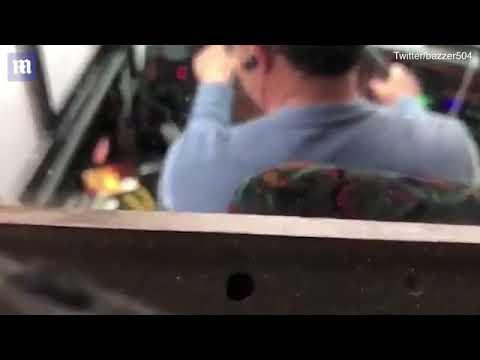 شاهد سائق أتوبيس مُتهوّر يُشاهد البرامج على هاتفه أثناء القيادة