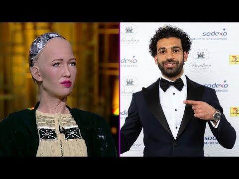 شاهد  ما قالته الروبوت صوفيا عن اللاعب محمد صلاح