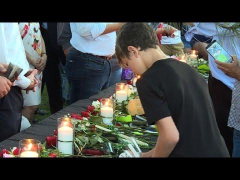 شاهدإضاءة شموع في تكساس تكريمًا لضحايا إطلاق النار في مدرسة ثانوية