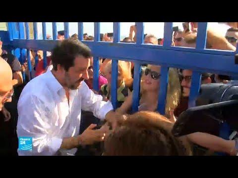 شاهدوزير الداخلية الإيطالي يؤكّد تبني سياسة صارمة بشأن الهجرة