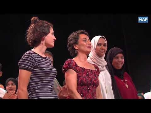 شاهدتتويج عرض  الخدع  من إيطاليا في مهرجان المسرح الجماعي