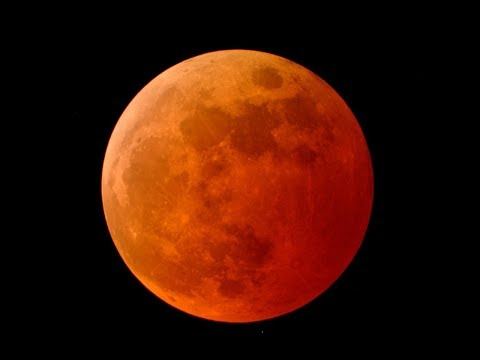 شاهد  بثّ مباشر لخسوف القمر الدامي الأطول في القرن الـ21
