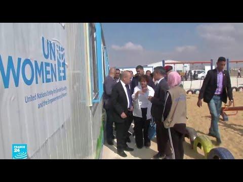 شاهدوزير الخارجية الفرنسي يتفقد مشروع الواحة الداعم للاجئات السوريات في الأردن