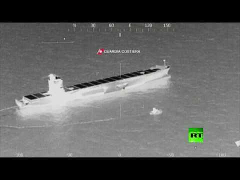 محاولات إزالة بقعة الوقود في مكان اصطدام السفينتين التونيسية والقبرصية في المتوسط