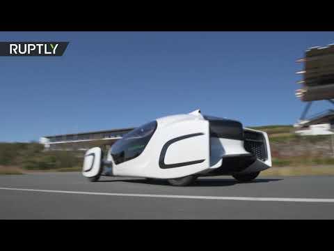 شاهد اختبار سيارة كهربائية مصنوعة من البلاستيك في اليابان