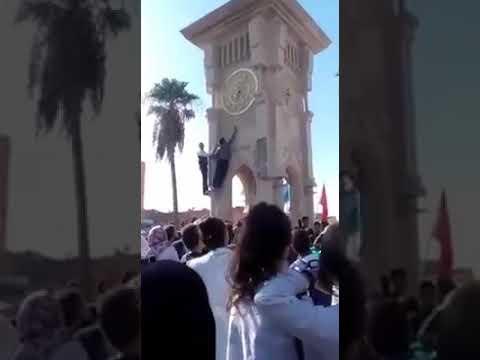 شاهدتلاميذ مغاربة ينقصون من زمن الساعة الإضافية في قلعة السراغن