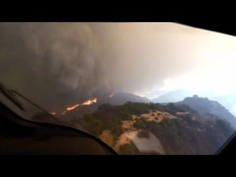 شاهد  عملية إنقاذ على قمة تلال كاليفورنيا المحروقة