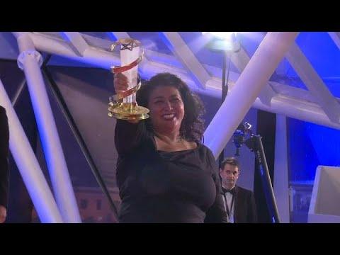 شاهد فيلم جوي يفوز بالنجمة الذهبية للمهرجان الدولي للفيلم في مراكش