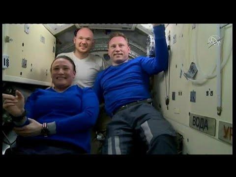 عودة البعثة الفضائية 57 إلى الأرض