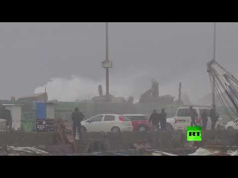 شاهد الرياح العاتية تضرب غزة مع تساقط الثلوج