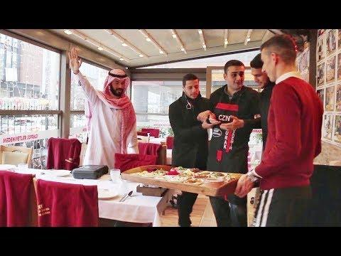 شاهد رد فعل غير متوقع لطباخ تركي استفزه مليونير عربي