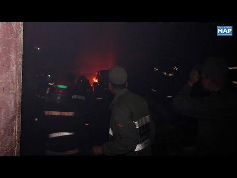 شاهداندلاع حريق داخل سوق للمتلاشيات في كلميم المغربية