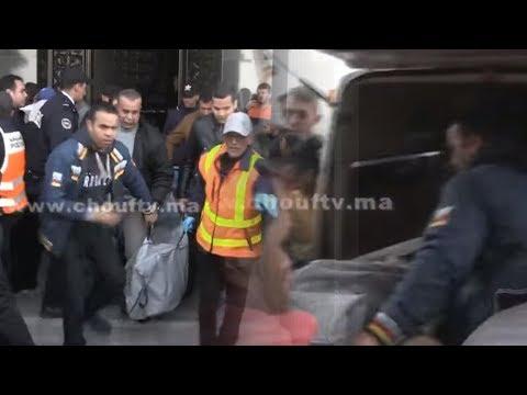 شاهدلحظة استخراج جثة شاب عُثر عليه مقتولًا داخل شقة في فاس