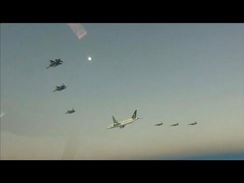 شاهد طائرات عسكرية باكستانية تُرافق الأمير محمد بن سلمان
