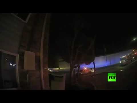 شاهد الشرطة الأميركية تنقذ أطفالًا من منزل محترق