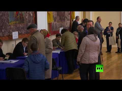 شاهد أوكرانيا تشهد الجولة الثانية من الانتخابات الرئاسية الأحد