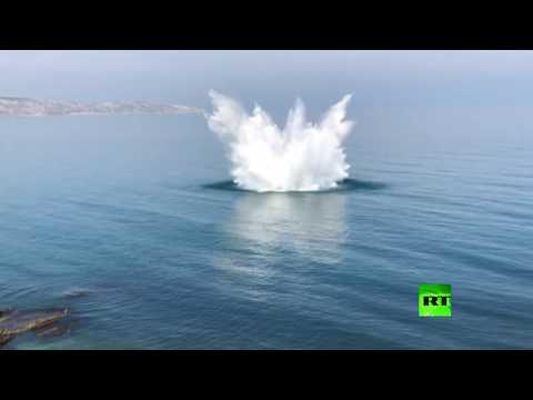 لحظة تفجير 4 قنابل في البحر الأسود قبالة القرم