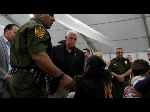 مهاجرون يهتفون أمام نائب الرئيس الأميركي لا مكان للاستحمام