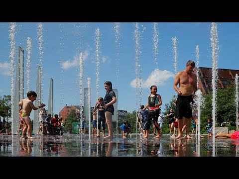 شاهد ارتفاع قياسي في درجات الحرارة يُثير حيرة الحكومات في أوروبا