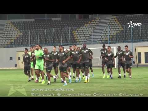 شاهد الرجاء الرياضي ينهى تحضيراته لمواجهة النصر الليبي الأحد المقبل
